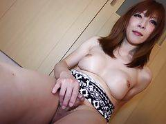Erina Hoshimoto brings a special sexy to her latest exclusive update, fans have embraced her and spend most of their time clenching their fists around their cocks.