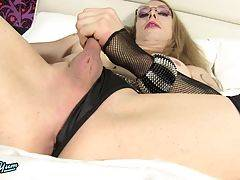 Kali Stylez is a kinky tgirl with a love of leather and chains! Watch this sexy transgirl masturbating until she cums!
